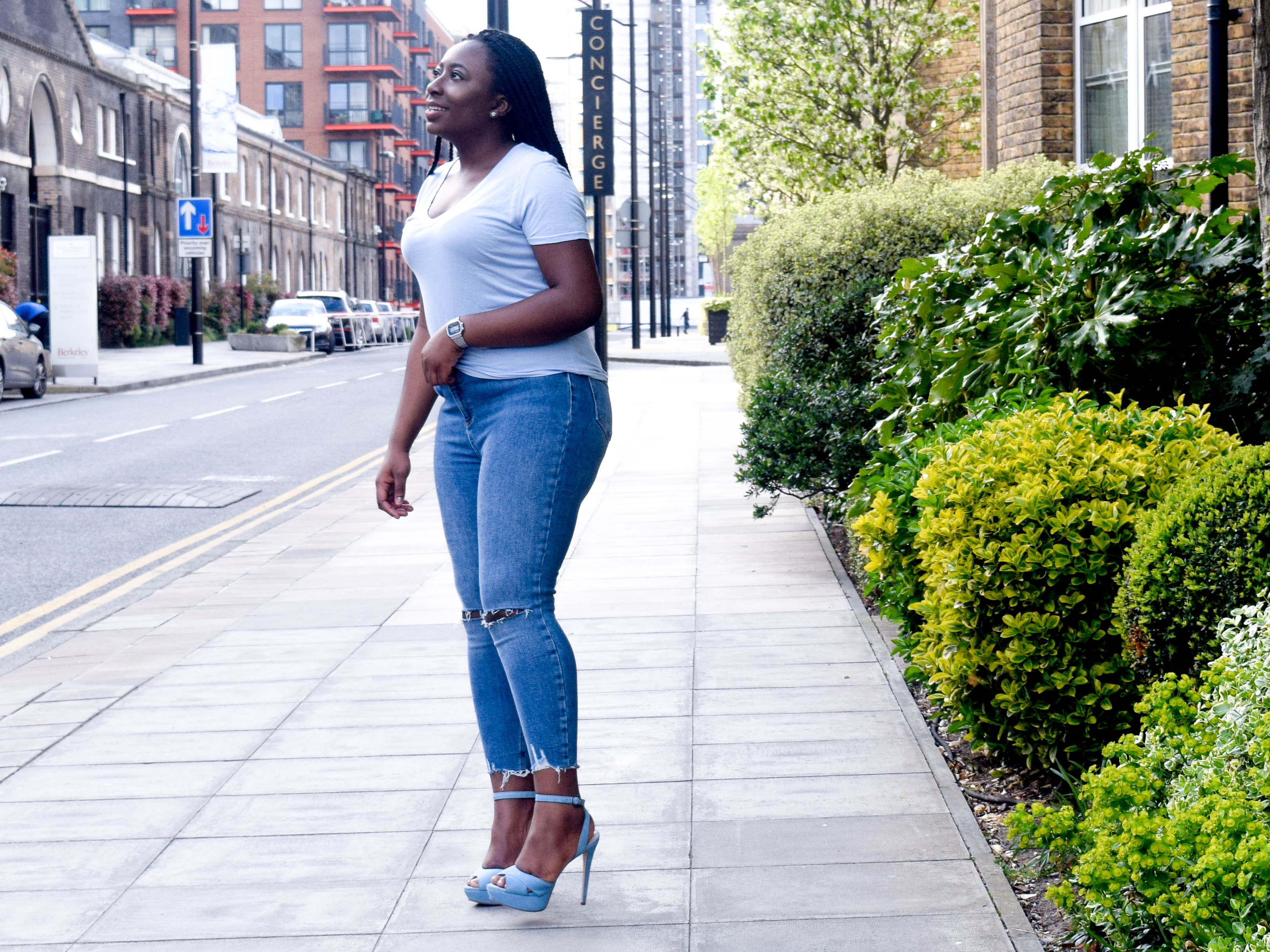 Jeans for curves and women with big bums